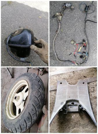Разборка Honda Tact 24,пластик,проводка,диск,генератор,вилка.