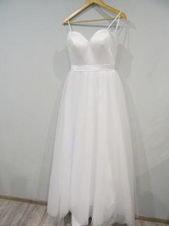 nowa tiulowa gładka suknia ślubna na ramiączkach r. 38 księżniczka