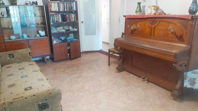 Продам 3-х комнатную квартиру чешку в центре