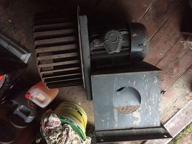 Вентиляцыоный мотор с улиткой