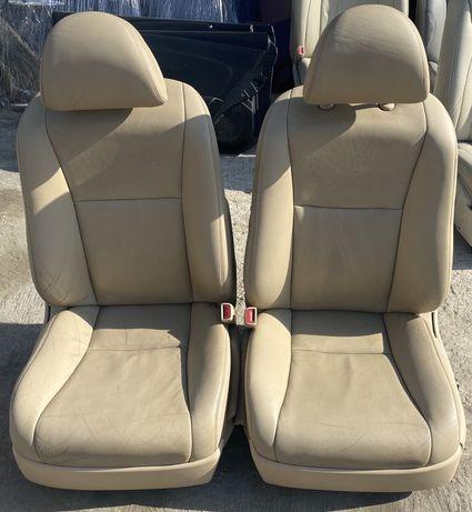 Сидения передние Lexus LS460