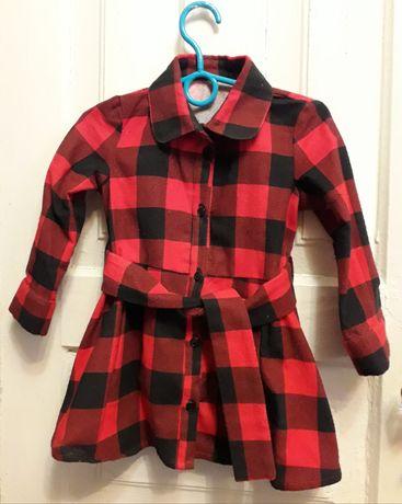 Платья детские теплые и летние  для дитей 3-4 годика. Возможен торг.