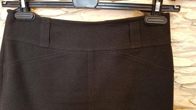 Ciepła zimowa wełniana spódnica r. 38