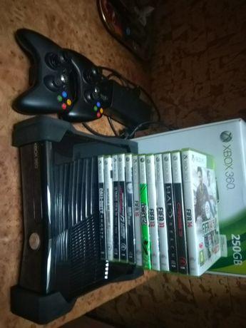 Xbox360 slim 250GB 14 gier