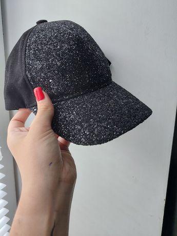 Продам кепку с блёстками, размер регулируется