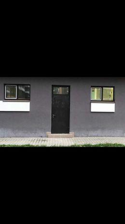 Продам двері вхідні б/в