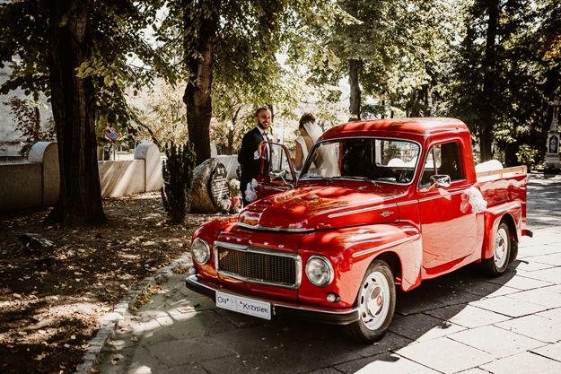 Auto samochód do ślubu zabytkowe Volvo pickup. Prowadzisz sam