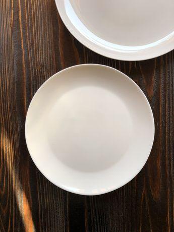 тарілки білі круглі