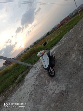 Yamaha jog SA12.