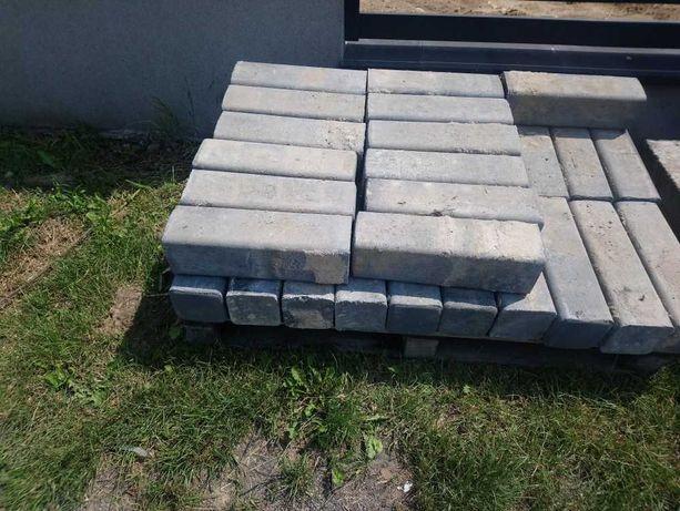 Palisada betonowa, obrzeża betonowe, krawężniki