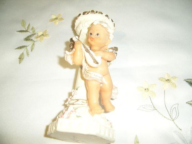 Świecznik z aniołkiem