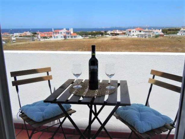 Casa com vista mar a 500 m da praia -Porto Côvo