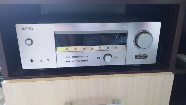 Amplituner Yamaha RXRX-V450 +Kolumny Universe 5.0