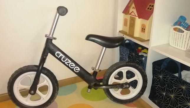 Rower biegowy cruzee czarny biegówka rowerek dla dzieci