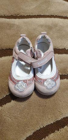 Туфли, туфельки Geox на девочку.