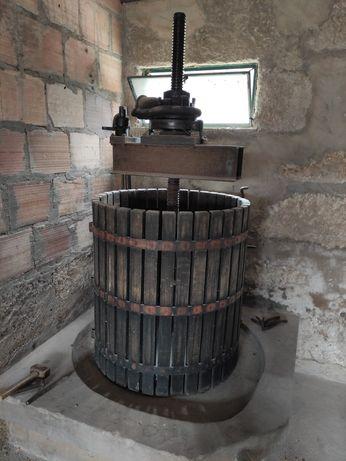 Vendo prensa de vinho