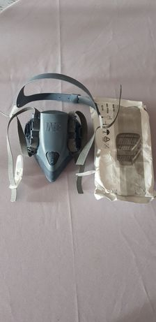 1 Maska mała  3M plus filtry