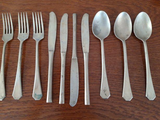 Sztućce stare noże, łyżki, widelce