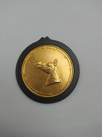 Złoty medal za osiągnięcia w w hodowli koni