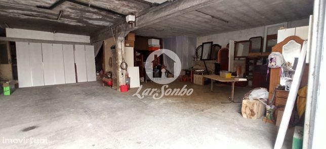 Armazém + 2 lojas no centro de Vila do Conde próximo á N13