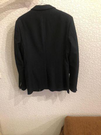 Чёрный пиджак, подростковый (на 14-15 лет), в очень хорошем состоянии
