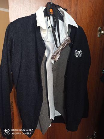Рубашки,сорочка ( на короткий рукав) жилєтка,галстук,бабочка,светрик