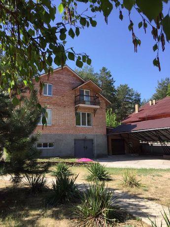 Добротный дом в селе Яцкое, рядом с Оскольским водохранилищем.