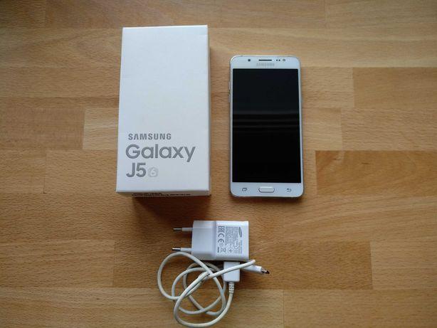 Smartfon Samsung Galaxy J5 6 SM-J510FN biały