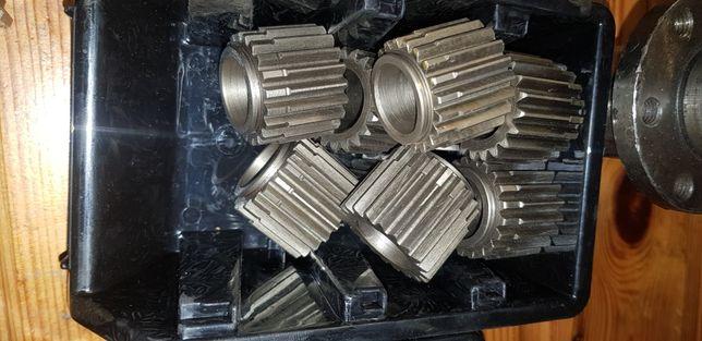 Silnik jazdy zwolnica części  regeneracja zwolnic naprawa hydromotor