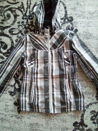 Жіноча куртка -вітровка