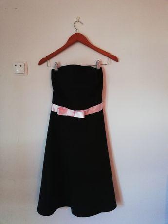 Vestido vintage curto rodado, tamanho S/M, com laço de cetim rosa