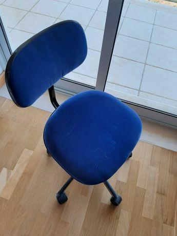 Cadeira azul em otimo estado