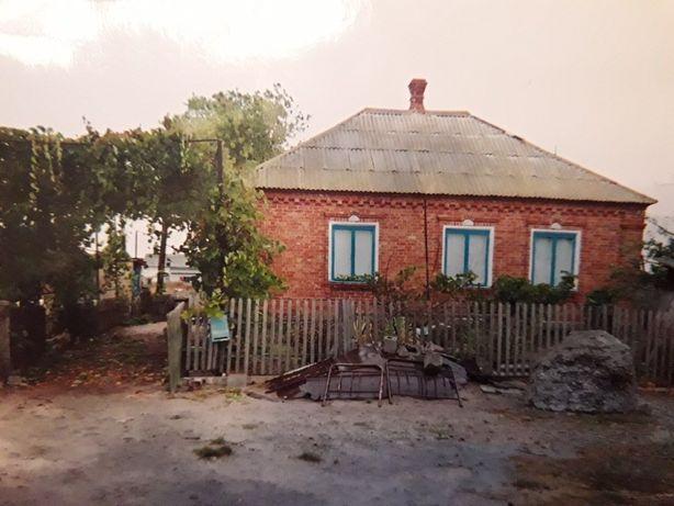Продам добротный дом с участком недалеко от моря
