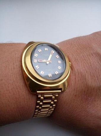 Продаю часы ссср Чайка позолоченные