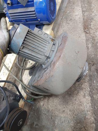 Odciąg spawalniczy silnik trójfazowy 0,37/0,45 Kw 2820/3410 obr