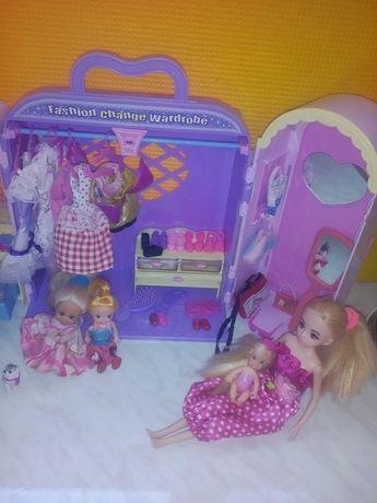 Кукла с гардеробом аксессуарами и мебелью