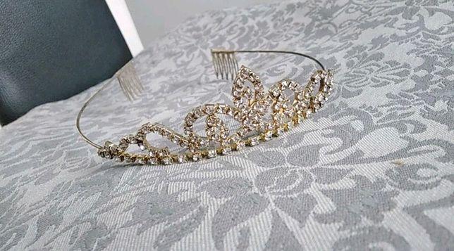 Diadem piekna korona ślubna na ślub elegancka ozdoba