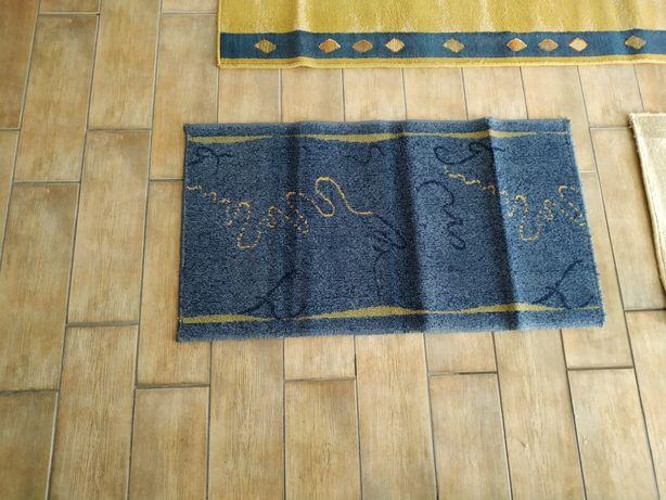 Vendo carpete e tapetes