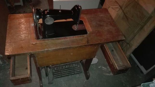 Łucznik maszyna do szycia kl. 82 z szafką