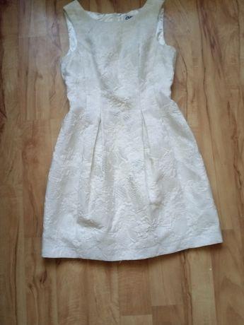 Sprzedam sukienkę rozmiar L