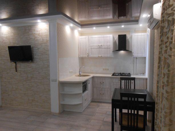 Продам 1 кв. студию с мебелью и техникой в центре города.