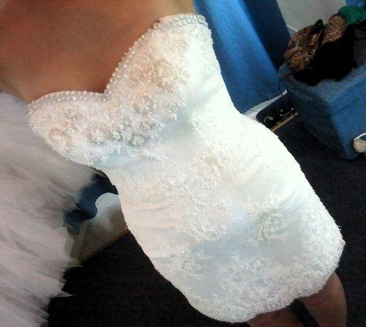 Sukienka do ślubu cywilnego lub na poprawiny