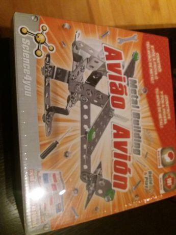 Brinquedo novo da science4you metal building avião