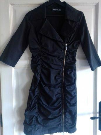 Seksowna czarna sukienka 38