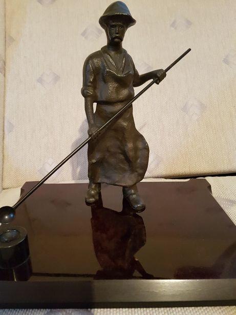 Rzeźba hutnika