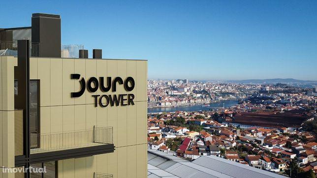 MS - T0 Duplex, último piso c/ vistas Douro/Porto/Gaia