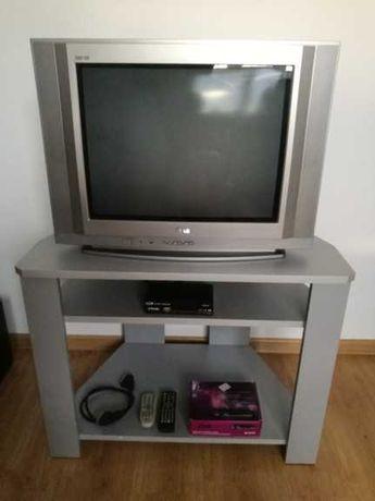 Zestaw: Telewizor LG, tuner cyfrowy DVBT HD, stolik pod telewizor