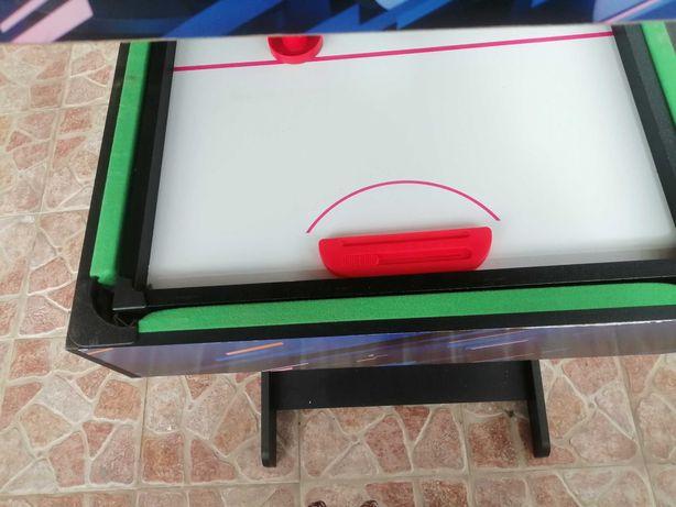 Vendo mesa snooker +bilhar, excelente