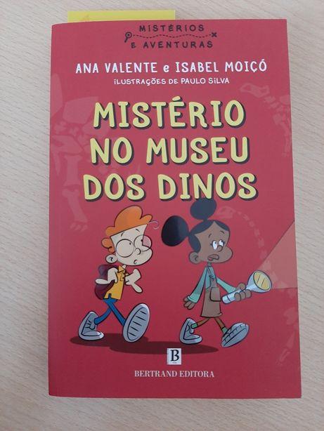 Mistério no museu dos dinos