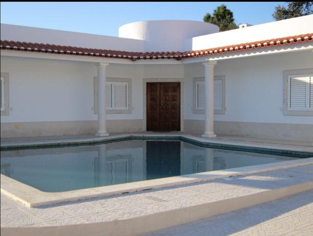 Arrenda-se vivenda V4 com piscina e jardim  - Sesimbra